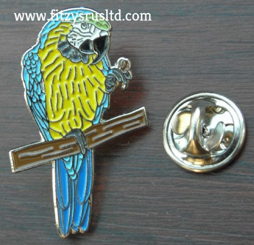 Parrot Lapel Cap Hat Tie Pin Badge psittacine Macaw Bird Lovers GIft Brooch New